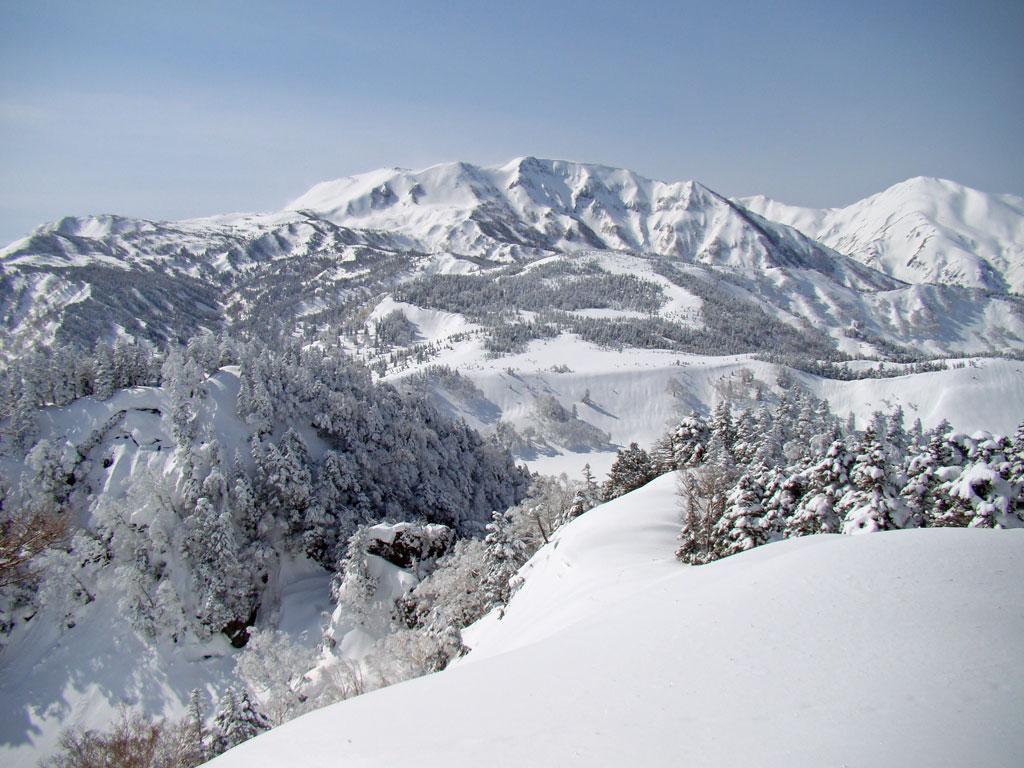 白馬乗鞍と雪倉岳