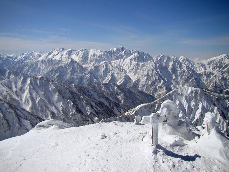 唐松岳山頂から見た剱岳
