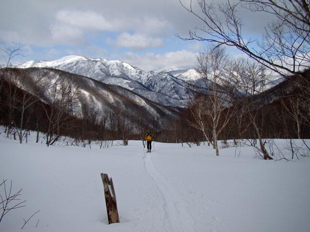 ヤカイ沢を登る