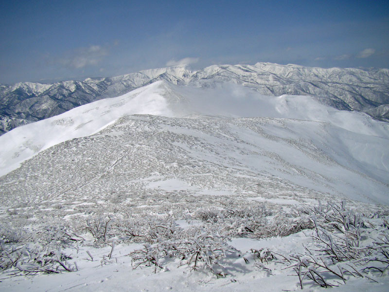 平標山と苗場山