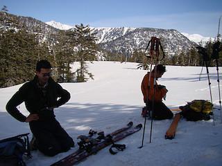 雪原で休憩