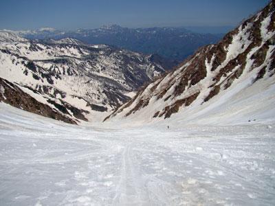 今日の大雪渓は真っ白