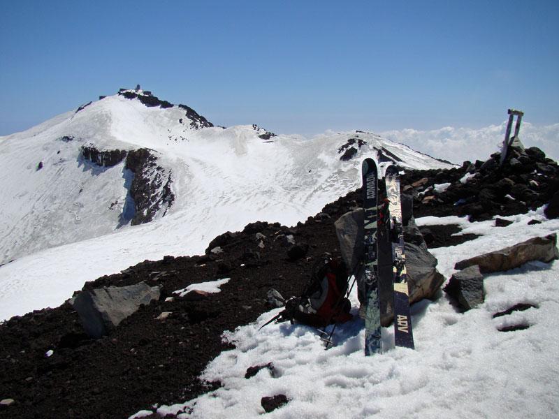 白山岳から見た剣ヶ峰