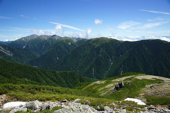 白峰三山から南嶺へと続く稜線