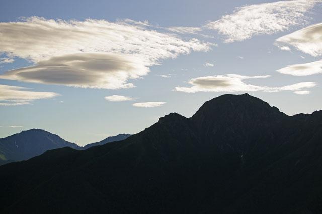 塩見岳のシルエット