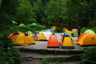 どんどん増えるテント