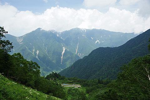 白根御池小屋の直前で見た鳳凰三山
