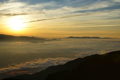 甲府盆地を覆う雲海