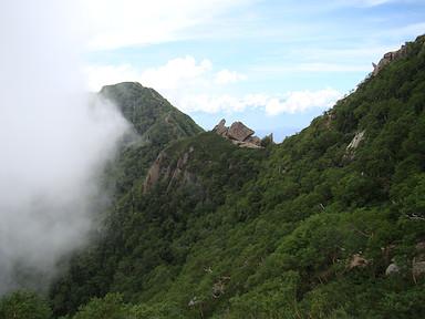 六万石を経て駒津峰へと登り返し