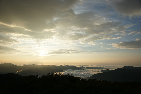 朝日と雲海