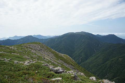 仁田岳から望む深南部の山々、光岳、加加森山、池口岳