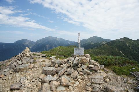 仁田岳から兎岳、聖岳、上河内岳、茶臼岳を望む