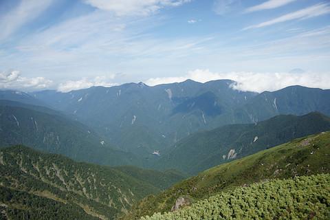 白峰南嶺を遠望