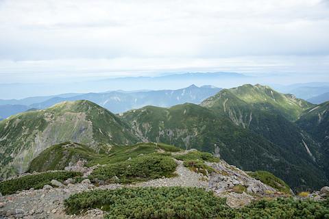兎岳から中盛丸山への稜線