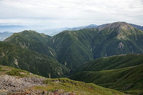 中盛丸山、大沢岳から赤石岳への稜線