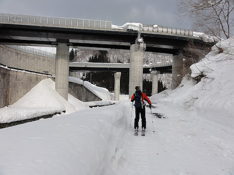 東海北陸道の巨大な橋