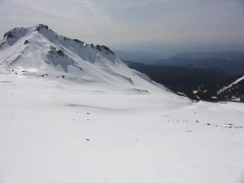 山頂の下の大斜面