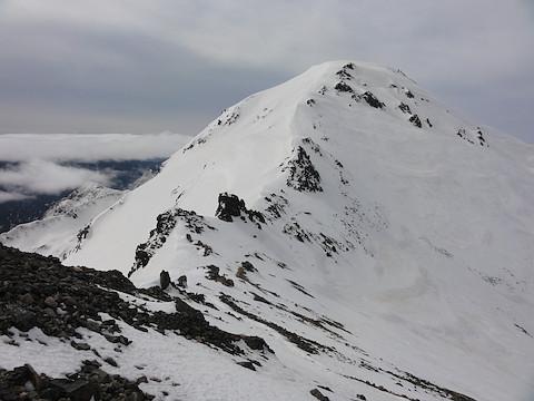 飛騨乗越から大喰岳を眺める