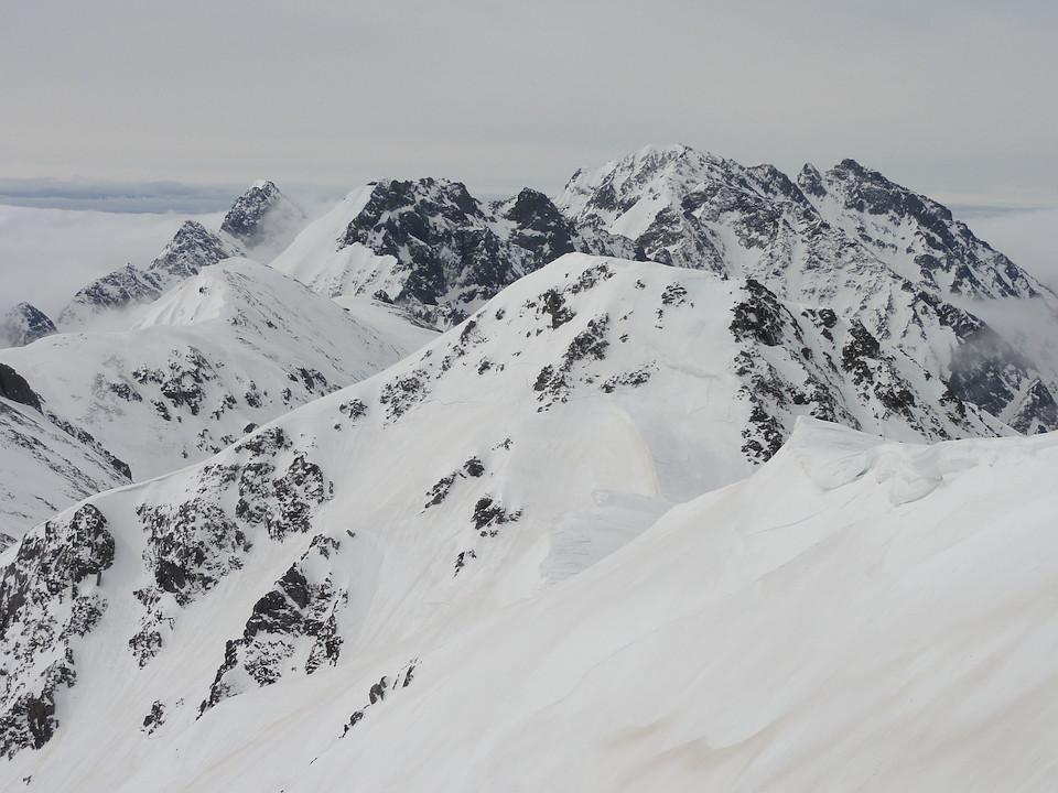 大喰岳山頂から穂高岳方面を遠望