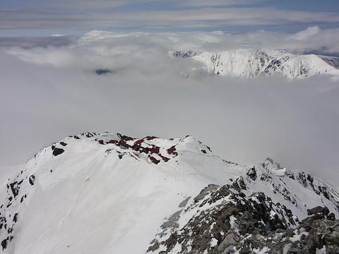 雲に隠れた笠ヶ岳