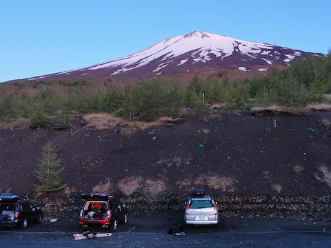 富士山を見上げて