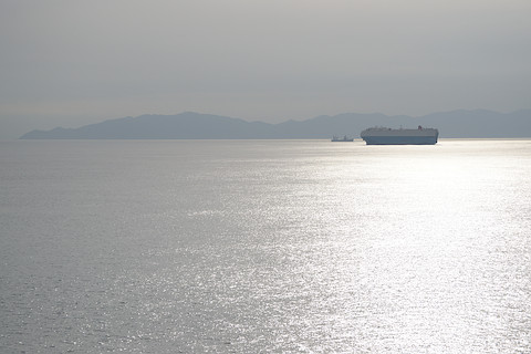 津軽海峡を航行中