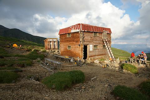 上ホロ避難小屋