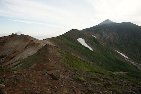 十勝岳への稜線