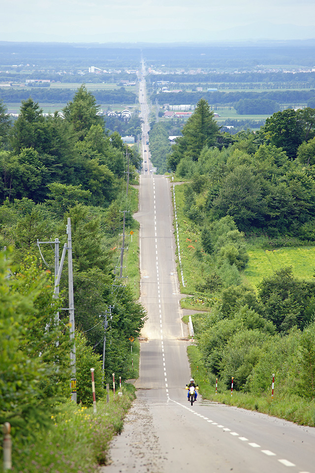 長い長い直線道路
