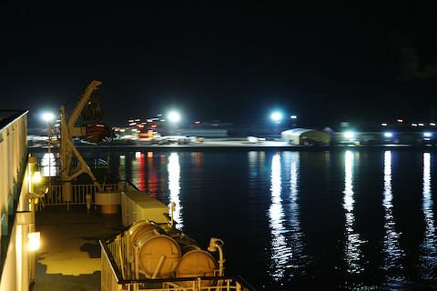 夜ふけの敦賀新港