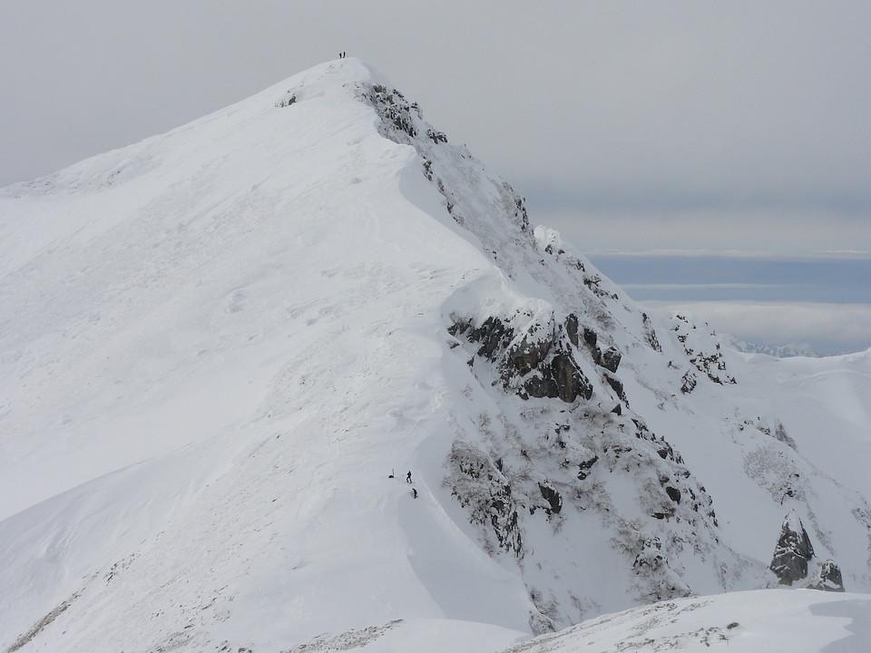 唐松岳の山頂を見上げて