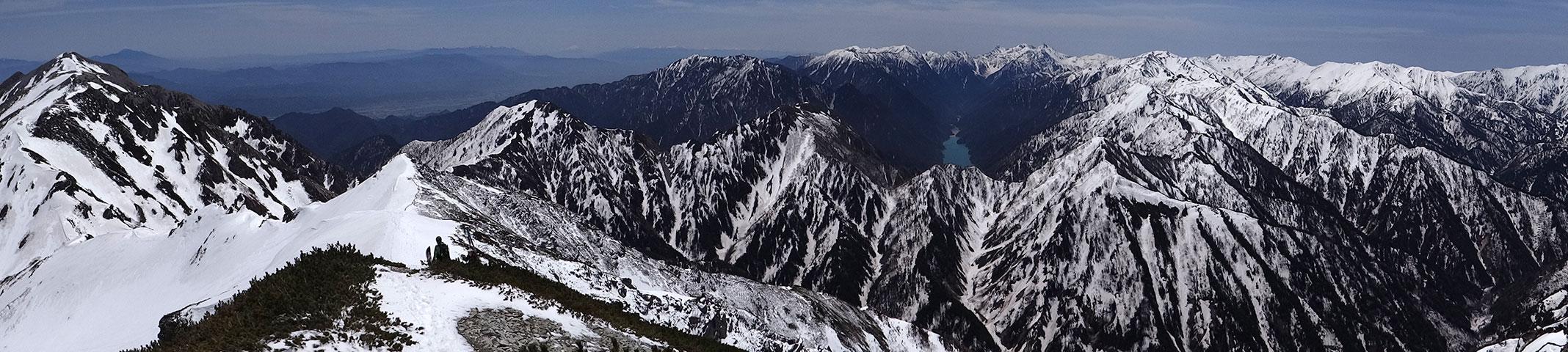 針ノ木岳山頂から、表銀座、槍穂高のパノラマ