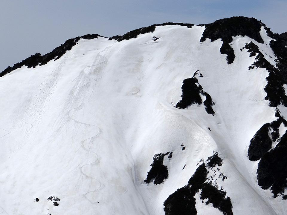 ボーダーがスバリ岳からドロップ!