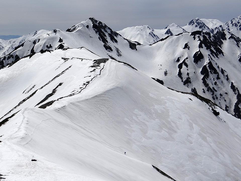 蓮華岳山頂から右俣上部を見下ろす