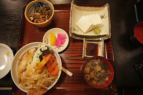 おまかせ大盛丼 & 堅豆腐刺身