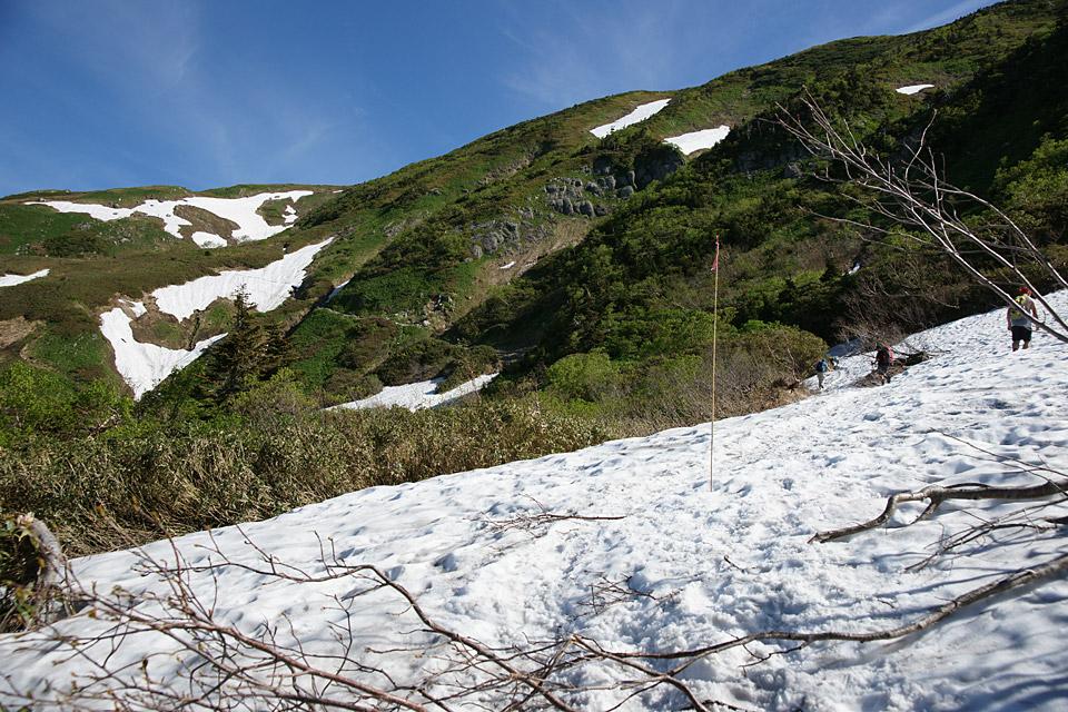 トラバース路の残雪
