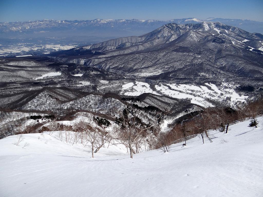 山頂から五地蔵沢を見下ろす