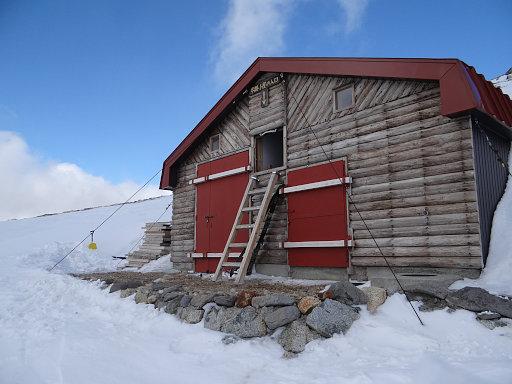 双六冬期小屋