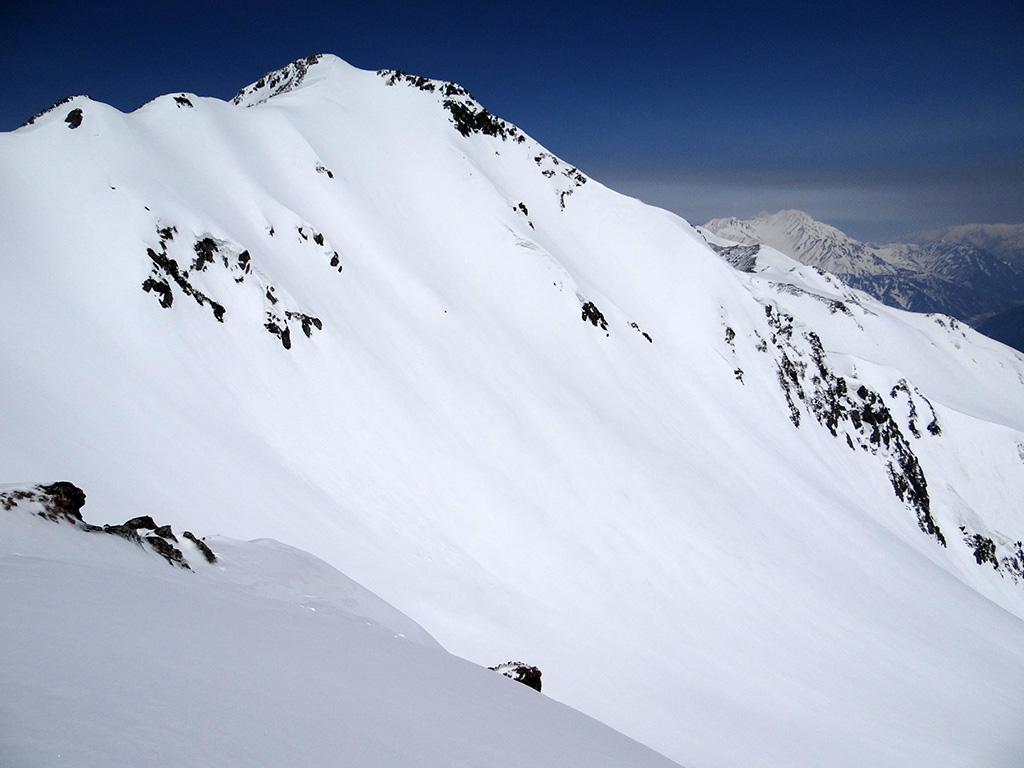 水晶岳南峰と南東面ルンゼ
