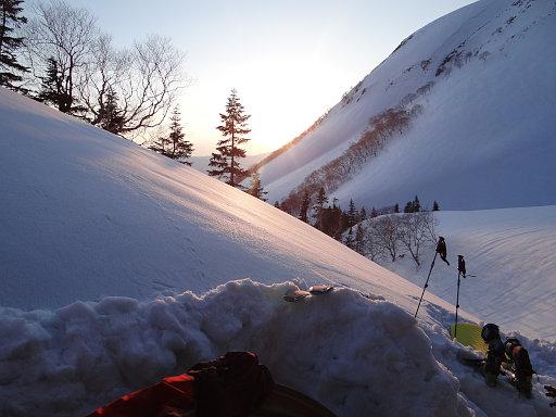 テント場の日没
