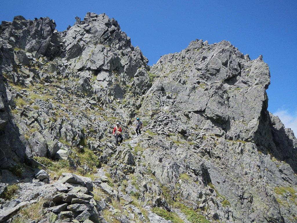 滝谷ドームから踏跡を下る