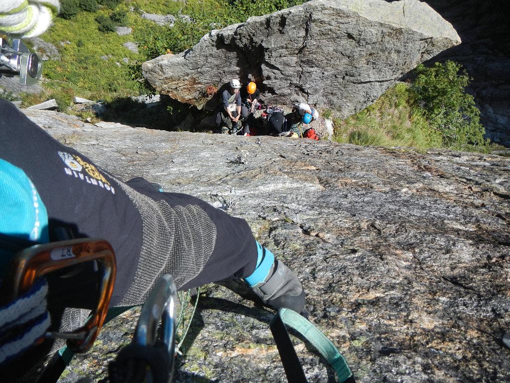 3ピッチ目登攀中 扇岩を見下ろす
